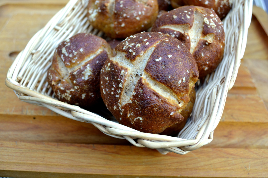 Whole Wheat Pretzel Rolls | The Newlywed Chefs